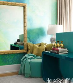 Aqua and gold never goes out of style!