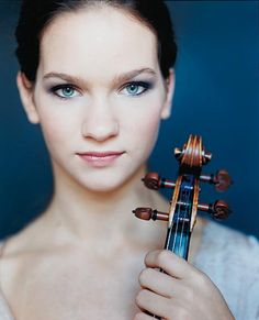 Hilary Hahn - she will be playing the Nielsen Concerto March 8-10, 2014!