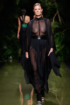 Fashion Week, Fashion 2017, Runway Fashion, Fashion Models, Fashion Show, Fashion Hacks, Paris Fashion, Fashion Tips, Doutzen Kroes