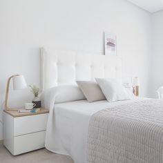 Quarto de casal pequeno: 100 provas de que tamanho não é documento Couple Bedroom, Teen Bedroom, Dream Bedroom, Home Bedroom, Master Bedroom, Bedroom Decor, Bedroom Ideas, Bedrooms, Wall Decor