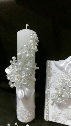 First Communion candle set head Comb set de vela primera Diy Candles, Pillar Candles, Orthodox Wedding, Bridal Gown Styles, First Holy Communion, Lace Doilies, Candle Set, Paper Roses, Candle Making