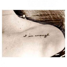 50 trendy Ideas for tattoo for women meaningful words - Hair♥ Nails♥ Beauty♥ Tattoos♥ Piercings♥ - Tattoo Frauen Collar Bone Tattoo Quotes, Rib Tattoo Quotes, Tattoo Quotes For Women, Tattoo Fonts, Inspiring Quote Tattoos, Small Quote Tattoos, Cool Small Tattoos, Trendy Tattoos, Tattoo Small