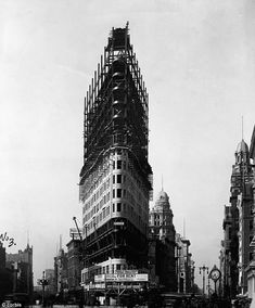 FAMOUS and historical buildings under construction.