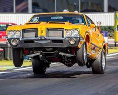 Nhra Racing, Nascar Race Cars, Chevy Chevelle Ss, Oldsmobile Cutlass, Drag Cars, American Muscle Cars, Car Humor, Mellow Yellow, Hot Cars