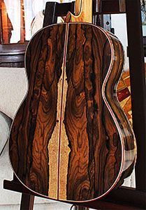 Bellucci Guitars Handmade Classical & Flamenco Guitars The grain is simply dramatic and some of the most beautiful instruments are made with Ziricote. Beautiful and erratic grain.