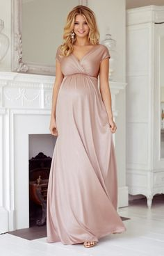 Blush is such an easy way to add feminine romance and colour to your maternity style even if you're not a pink girl at heart. Oozing screen star sophistication with a lovely hint of vintage, our Francesca maternity gown is both sleek and elegant.