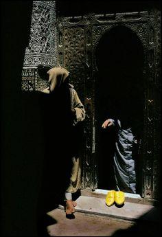 Harry Gruyaert - Man leaving the Qarawiyin Mosque, Fez, Morocco, 1987