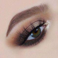 Gorgeous @molly_cristin #makeup #makeupideas #beauty...