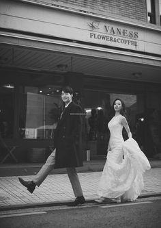K Korea pre wedding - Korea Images Pre Wedding Poses, Pre Wedding Photoshoot, Wedding Pics, Wedding Shoot, Wedding Couples, Wedding Humor, Wedding Events, Photoshoot Ideas, Weddings