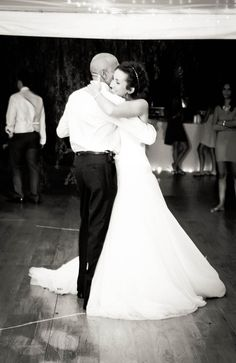 father and bride dance, outdoor wedding.