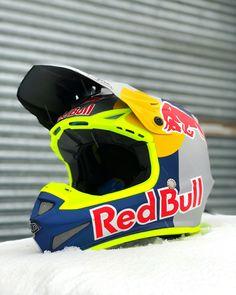 Dirt Bike Helmets, Dirt Bike Gear, Motocross Helmets, Racing Helmets, Mtb Bike, Quad, Bmx Gear, Motocross Quotes, Tactical Helmet