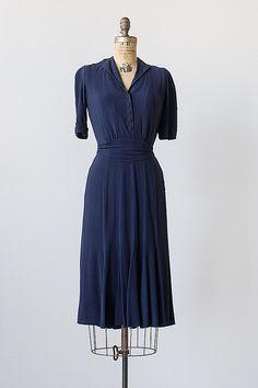Calligraphy Ink Dress | vintage 1940s day dress #vintage #1940s #40s