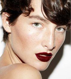 3 Daring Weekend Beauty Looks That Don't Involve Smoky Eyes via @byrdiebeauty