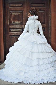 She's Intentional Blog | Tyler and T'Neil | Stunning wedding dress: Kleinfeld's Bridal