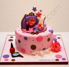 Makeup and purse cake Pretty Birthday Cakes, Adult Birthday Cakes, Birthday Ideas, Girly Cakes, Cute Cakes, Pink Cakes, Camo Wedding Cakes, 18th Cake, Fantasy Cake
