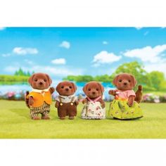 The Chocolate Labrador Family comes with mother Sienna, father Bruno, sister Ruby, and brother Charlie.