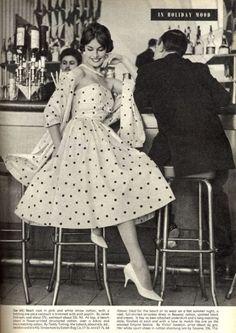 Fashion Vintage Dress Polka Dots 26 Ideas For 2019 Vintage Fashion 1950s, Mode Vintage, Retro Fashion, Polka Dot Fashion, Vintage Style, Fifties Style, Fifties Fashion, Vintage Inspired, Style Fashion