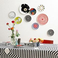 It's my goal to have this look in the kitchen.  I've collected two plates so far, but I need to keep at it.