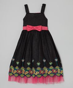 <p+style='margin-bottom:0px;'>Flowers+and+butterflies+frolic+across+this+fanciful+frock's+twirlable+silhouette,+creating+a+charming+look+that's+perfect+for+garden+parties.+A+bow+in+the+back+provides+an+extra+sprinkle+of+sweetness+and+the+perfect+fit.<p+style='margin-bottom:0px;'><li+style='margin-bottom:0px;'>100%+cotton<li+style='margin-bottom:0px;'>Machine+wash;+tumble+dry<li+style='margin-bottom:0px;'>Imported<br+/>
