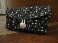 Our Busy Little Bunch: Mini Clutch Tutorial