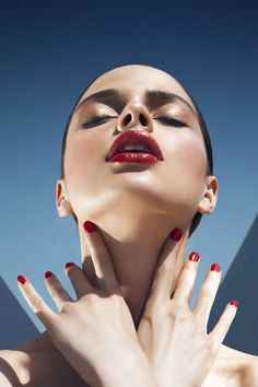 14 Best Lipstick Brands - In order to make your search for the perfect lipstick easier, we've done the work for you—searc - Best Lipstick Brand, Lipstick Brands, Best Lipsticks, Model Poses Photography, Beauty Portrait, Portrait Poses, Beauty Dish, Foto Face, High Fashion Poses