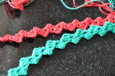 How to crochet ric-rac.