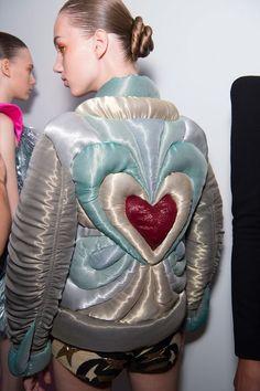 Fashion Art, Runway Fashion, High Fashion, Womens Fashion, Fashion Design, Fashion Ideas, Fashion Textiles, Weird Fashion, Fashion Quotes