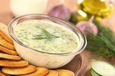O molho aioli é uma delícia, aprenda a fazer conosco :) #receitas #aioli #molho #alho #comida