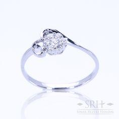 28318 18Karat White Gold Weight 1.39gr Ring Size 12.50 0.111 Total Carat = 6 Rounds Diamond 0.033 Total Carat = 1 Rounds Diamond
