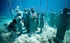 Artista cria 'museu aquático' com esculturas no fundo do mar. Foto: Jason deCaires Taylor