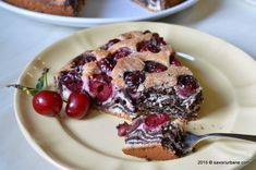 Prajitura zebra cu visine si cacao | Savori Urbane Cereal, Cooking Recipes, Sweets, Breakfast, Desserts, Food, Eat, Morning Coffee, Tailgate Desserts