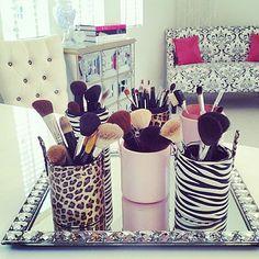 Makeup Organization -                                                      makeup brush organization ♥♥