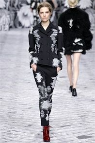 Viktor & Rolf - Collections Fall Winter 2013-14 - Shows - Vogue.it