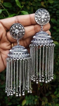 Indian Jewelry Earrings, Jewelry Design Earrings, Necklace Designs, Gold Earrings, Silver Jewelry, Drop Earrings, Black Metal, Black Gold, Indian Jewellery Design