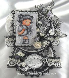 JenniferD's Blog. Beautiful black & white theme.