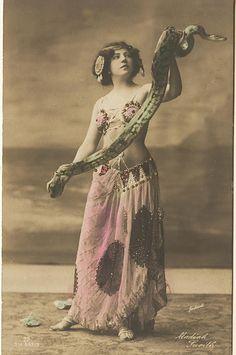 1900-1920 - Vintage snake charmer