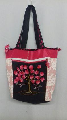 Bolsa cerejeira com crochê