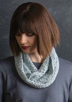 Starry Lace Knit Cowl | This cowl knitting pattern is lacy and lovely.