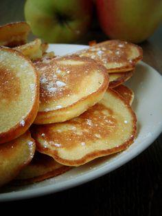 Składniki: -150g mąki ryżowej -3/4 szklanki mleka kokosowego -2 jajka M -3 łyżki erytrolu/ksylitolu -20g mąki kokosowej -2 łyżki mąk... Gluten Free Recipes, Free Food, Pancakes, Breakfast, Fit, Foods, Clean Foods, Health, Kuchen