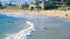 Western Australia's capital city offers the good life to backpackers on holiday! Experience the glittering coastline of Western Australia and stay in one of the countries richest cities - Perth!