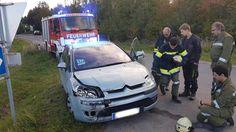 Sachsendorf: Fahrzeugbergung durch die Feuerwehr nach Verkehrsunfall auf der B4