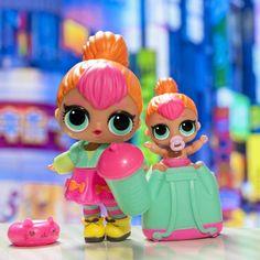 A Neon QT y Lil Neon QT les encanta pasear cuando cae la noche y la ciudad se ilumina    #LOLsurprise #lolsurprisedolls #comunidadlol #collectlol #dolls #doll #toys #toy #muñeca #juguete #collect #LOLSurpriseSerie2