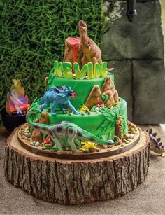 Just look at this awesome Dinosaur Birthday cake! See more party ideaas at. Dinosaur Birthday Cakes, Dinosaur Party, Elmo Party, Mickey Party, Park Birthday, 2nd Birthday Parties, 4th Birthday, Birthday Ideas, Birthday Supplies