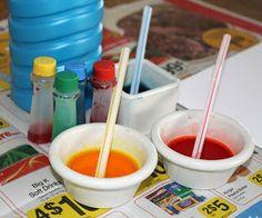 Tout ce dont vous avez besoin sont : -bloc papier carte (ou n'importe quel papier blanc épais) -colorant alimentaire -pailles -bulles (liquide) -petits plats -imprimante (facultatif) -découpage de papier ou de ciseaux  Couvrir votre table avec vieux journaux pour protéger la surface de votre table. Enfilez des gants en latex. Versez la quantité (1-2) de savon à bulle/plats. Ajouter 4/6 gouttes de colorant dans chaque plat (un plat 1couleur) alimentaire. Mélanger avec la paille.
