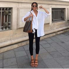 Spring / Summer Casual Date / City-Walk Outfit 2019 Adrette Outfits, Trendy Outfits, Fashion Outfits, Outfits With White Shirts, Lazy Day Outfits, Cool Summer Outfits, Womens Fashion Sneakers, Outfit Summer, Fashion Boots
