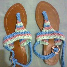 Sandalias tejidas tricolor menta, palo de rosa y turqueza