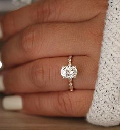 Check this moissanite flower engagement ring set from Camellia Jewelry. Scrupulously handmade in fine detail, it is a unique white gold ring set that will show her how much you care without breaking the bank. Wedding Rings Simple, Wedding Rings Solitaire, Wedding Rings Rose Gold, Classic Engagement Rings, Beautiful Engagement Rings, Wedding Rings Vintage, Bridal Rings, Vintage Engagement Rings, Diamond Wedding Bands