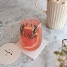 Beautiful mixed drink inspiration |grapefruit, citrus, herbs, rosemary. Perhaps hibiscus powder for natural coloring