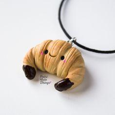 Croissant Kawaii Polymer Clay Kawaii, Fimo Clay, Polymer Clay Charms, Fimo Kawaii, Kawaii Diy, Kawaii Cute, Casa Lego, Biscuit, Clay Food