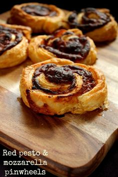 Red Pesto and Mozzarella Pinwheels - Jen's Food